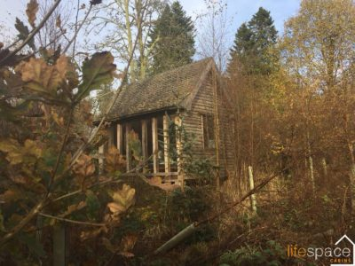 A small but beautifully formed cabin in the Scottish countryside
