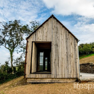 Luxury oak frame cabin in South Devon vertical oak cladding |Life Space Cabins